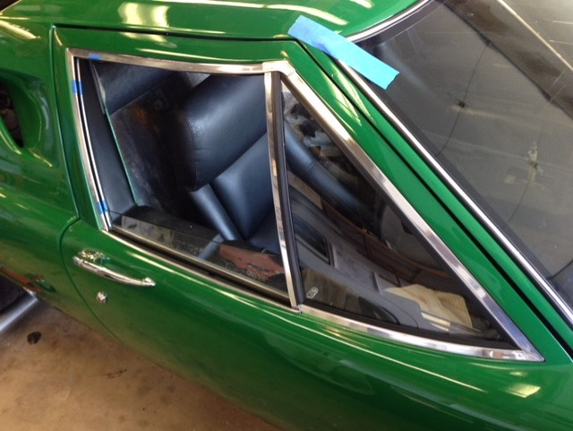 Classic car custom windshield glass replacement Sacramento CA (28)