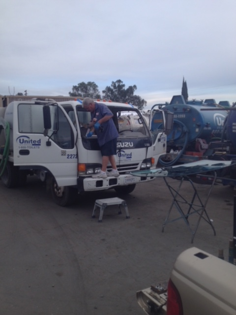 Isuzu Semi Truck Windshield Glass Replacement Company Sacramento CA