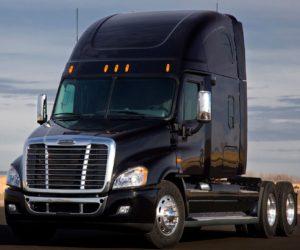 Freightliner Semi Truck Windshield Glass Replacement Company Sacramento CA