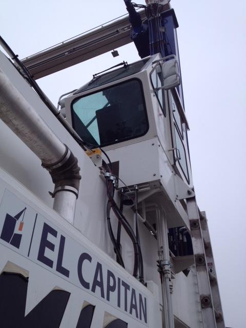 HEAVY CONSTRUCTION EQUIPMENT GLASS REPLACEMENT Mobile service company Sacramento CA